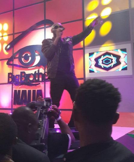 2 Baba perfoming at the Big Brother Naija grand finale show
