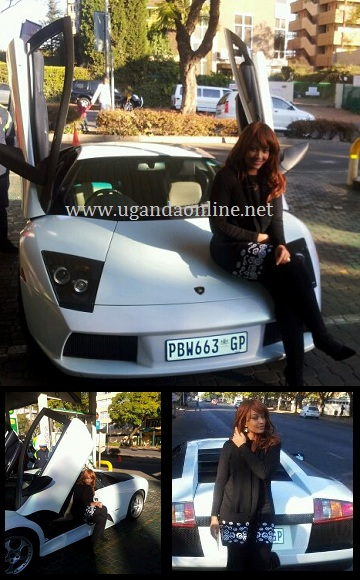 Zari poses for a pic besides her hubby's Lamborghini
