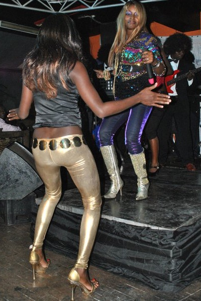 This chic could not help it so she had to join Grace on stage