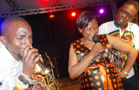 Moze Radio joins Weasel's mom in doing one of their songs