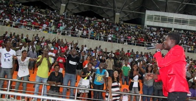 Chameleone performing at Saba Saba National Stadium in TZ